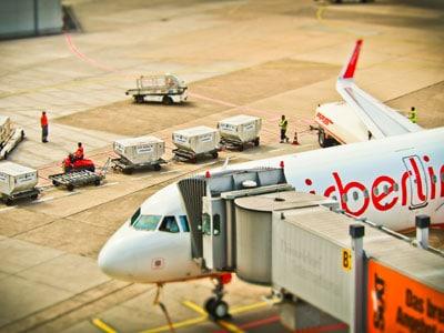 avion-suivi-transport-ejiroute-tracking-envoi-distribution-france-international-etranger-voyage-colis-marchandises-palettes-transportation-groupage-qualite-qualité-fiabilité-réactivité-écoute-attente-appel-service-client-prestation